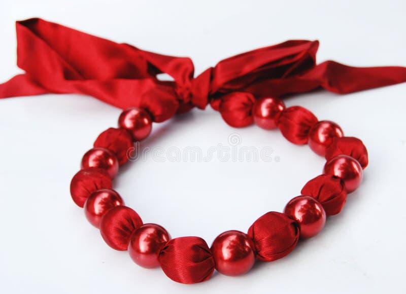 Collier rouge de mode de perles images libres de droits