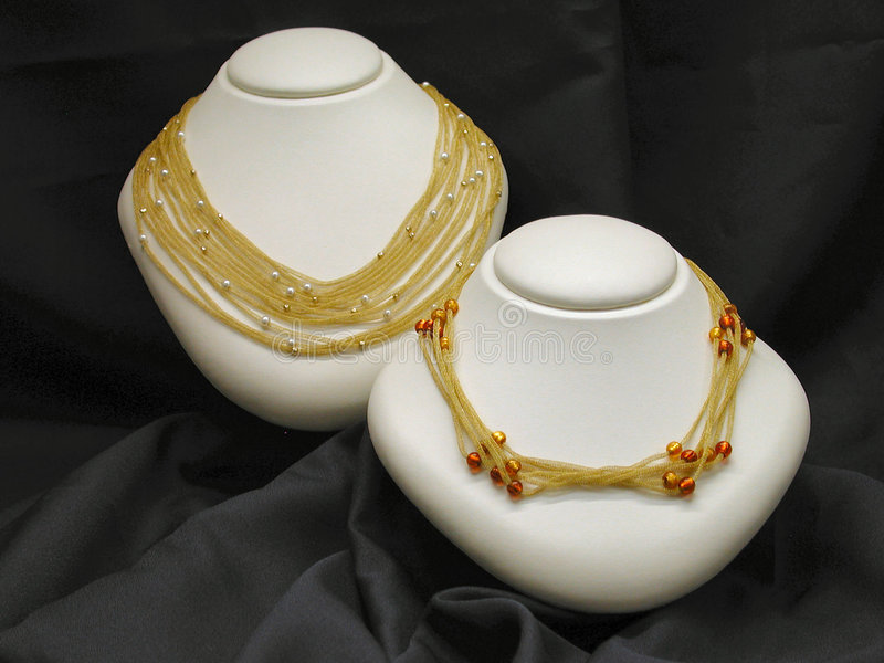 Colliers d'or photo libre de droits
