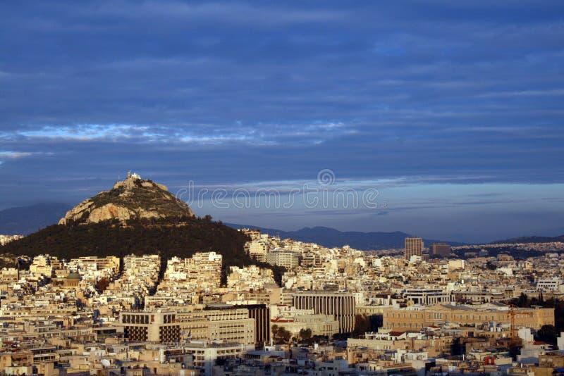 Collina di Atene, Grecia - di Lykavittos all'indicatore luminoso di tramonto immagine stock libera da diritti