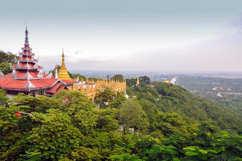 Collina di Mandalay nel Myanmar immagine stock