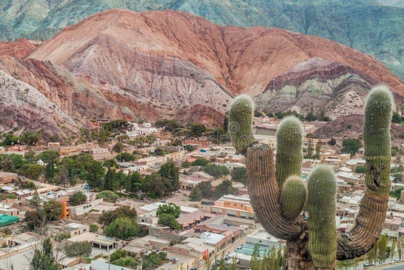 Colline de Cerro del los Siete Colores de sept couleurs image libre de droits