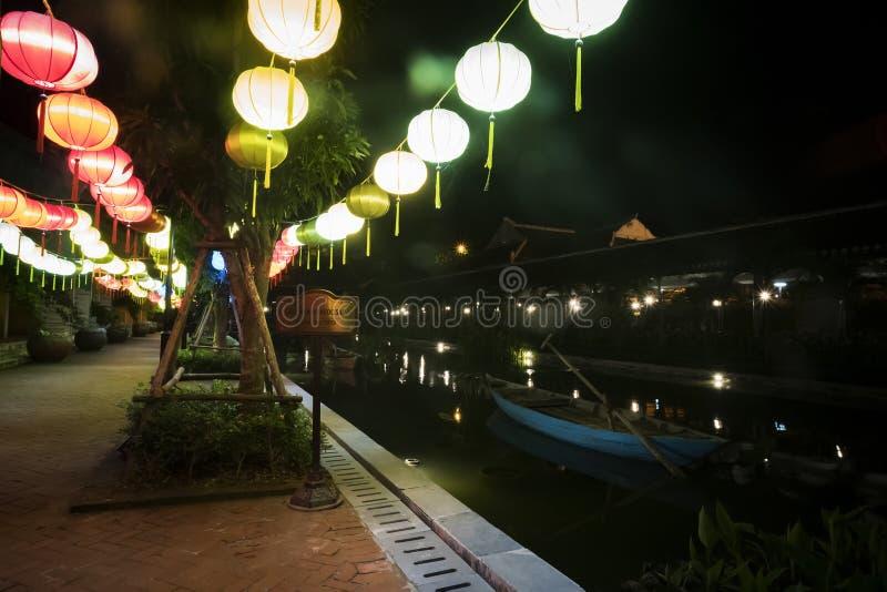 Colline del Na di sedere, Vietnam - 26 febbraio 2019: Esponga al sole il mondo è il parco di divertimenti alla cima della collina fotografia stock libera da diritti