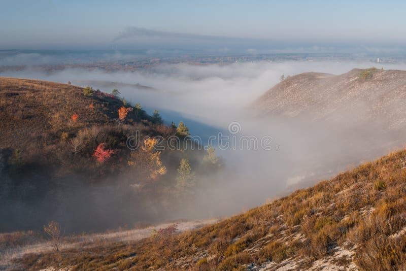 Collines crayeuses d'automne photo libre de droits
