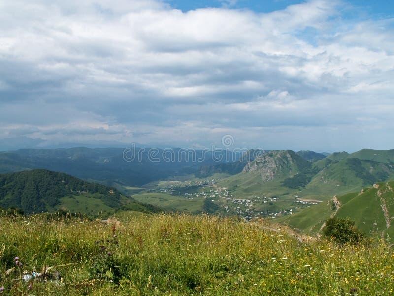 Collines de Caucase images stock