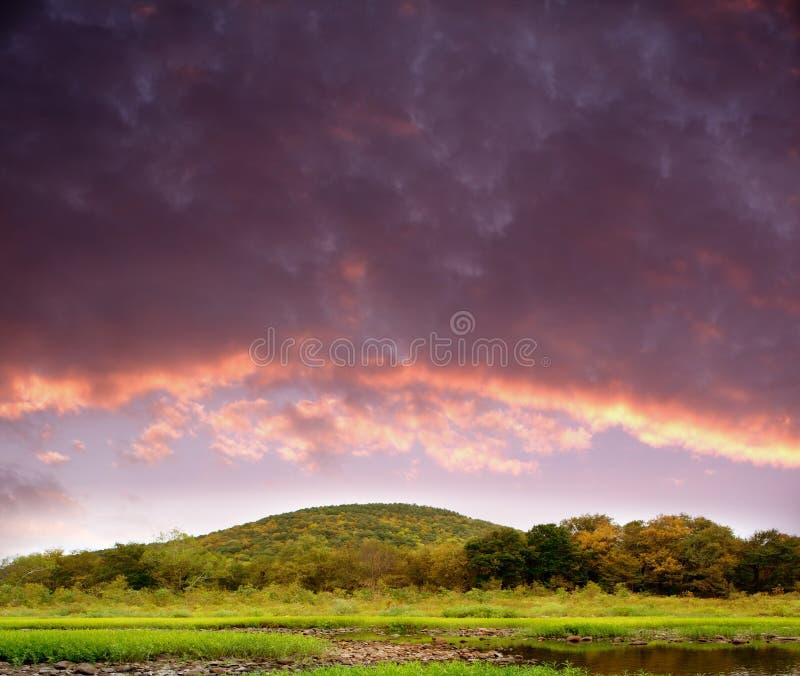 Collines de coucher du soleil photographie stock libre de droits