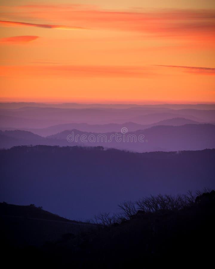 Collines 1 de coucher du soleil image libre de droits
