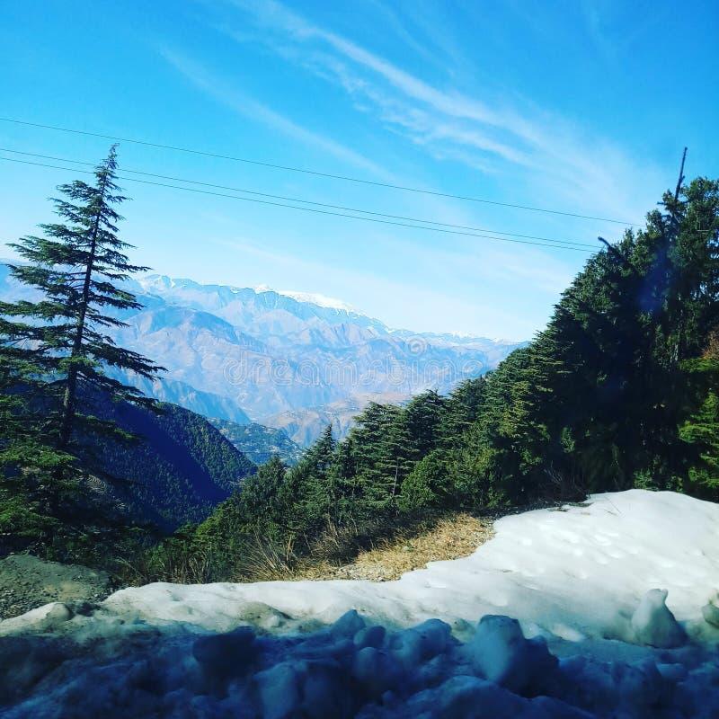 Collines scéniques de l'Inde himachal image stock