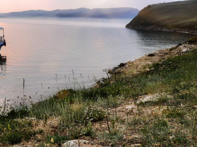 Collines sur le Baikal photographie stock