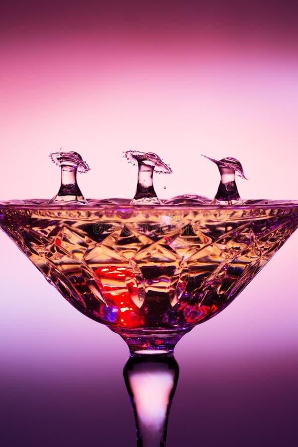 Collisions liquides d'Art Showing Three Water Drop de baisse photographie stock libre de droits