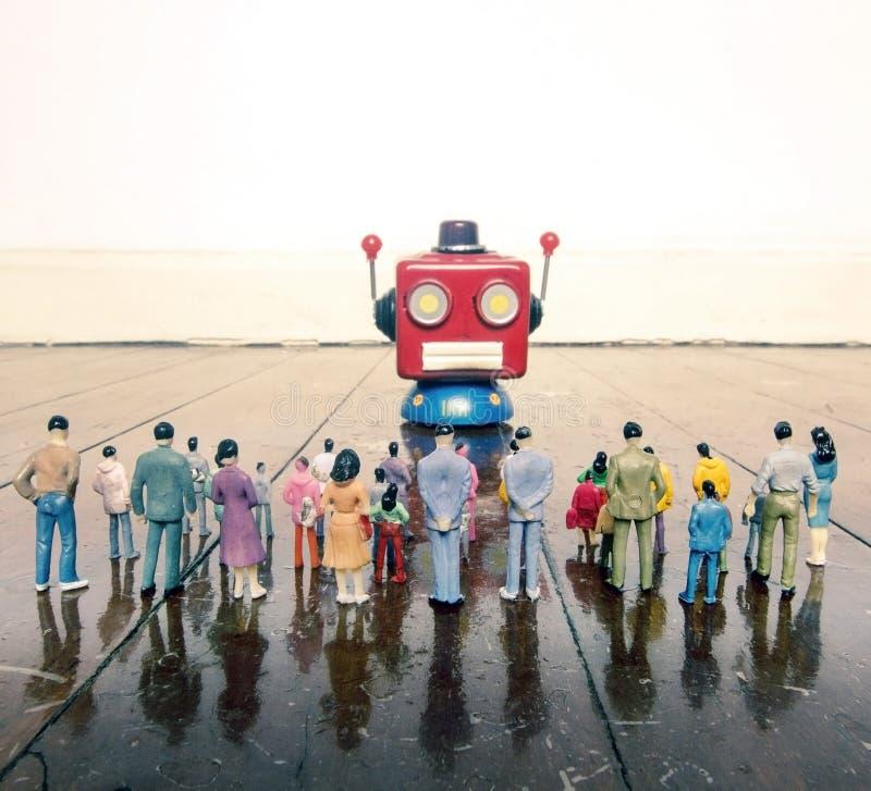 Colloqui capi del robot rosso all'cantato della gente di plastica o immagini stock