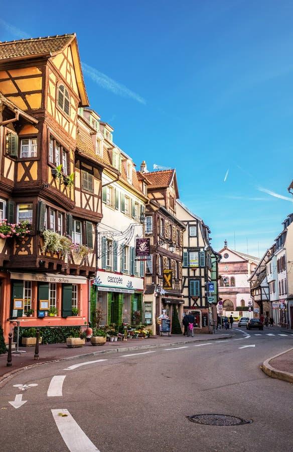 Colmar, France - 8 novembre 2014 : Vue de rue de Colmar au colorfu photo libre de droits