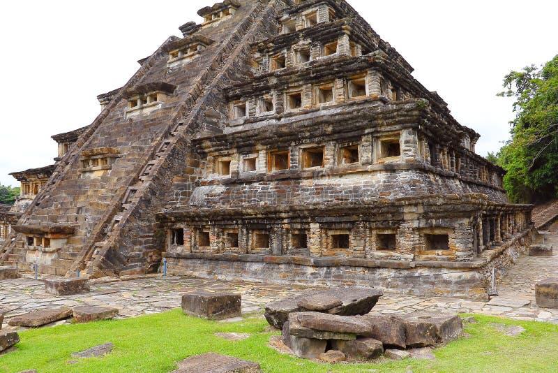 Coloca a pirâmide Tajin IX fotos de stock