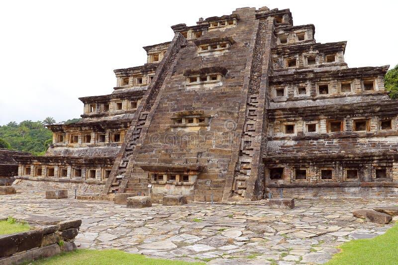 Coloca a pirâmide Tajin V fotografia de stock