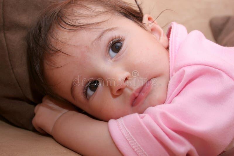 Colocación del bebé foto de archivo