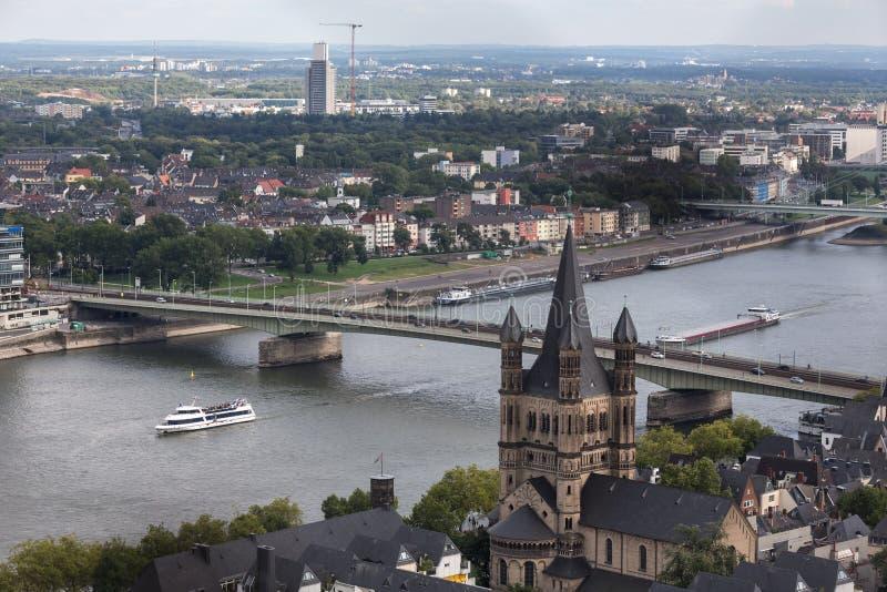 Cologne avec une vue d'en haut photographie stock libre de droits