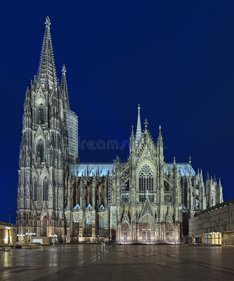 Cologne Cathedral At Dusk Evening Cityscape Wallpaper: Cologne Cathedral At Dusk Stock Photo. Image Of Attraction