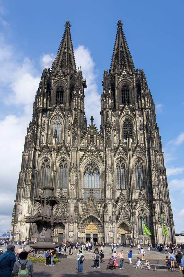 Cologne domkyrkafasad, Tyskland arkivbilder