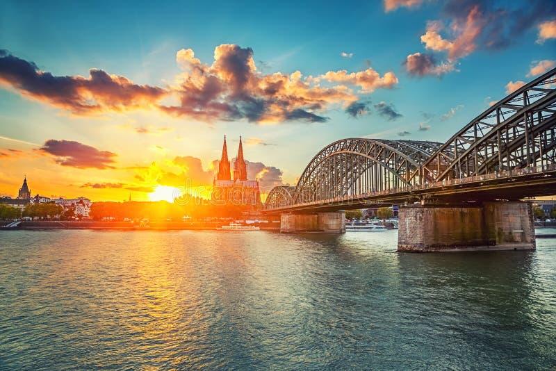 Cologne på solnedgången royaltyfri bild