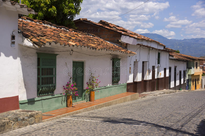 Colombia - Santa Fe de Antioquia - stad, gatasikt arkivbild