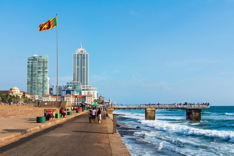 Colombo, Sri Lanka - 5. April 2019: Galle stellen grünen Strand- und Ufergegendpark in Colombo, Hauptstadt von Sri Lanka gegenübe stockfotos