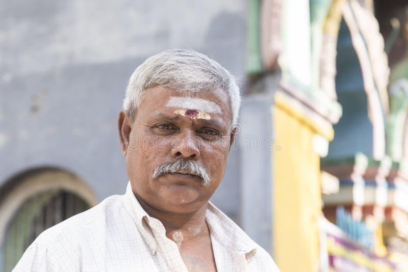 COLOMBO, SRI LANKA- 2 de febrero de 2017: Retrato de un hombre hindú imagen de archivo libre de regalías