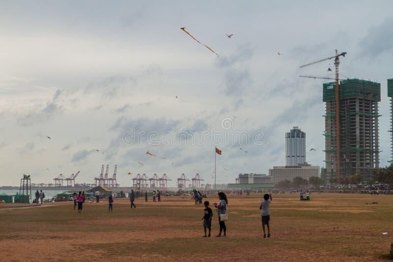 COLOMBO, SRI LANKA - JULY 26, 2016: People enjoy Galle Face Green park in Colombo, Sri Lan stock photography