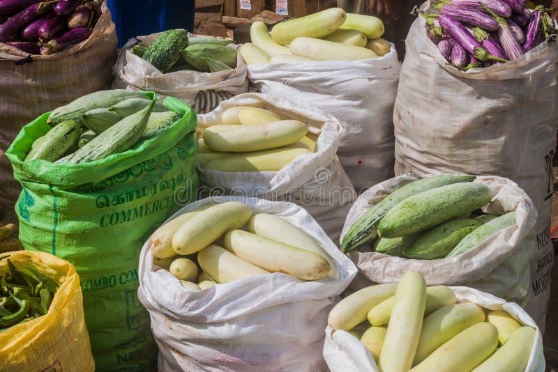 COLOMBO, SRI LANKA - 26 LUGLIO 2016: Borse delle verdure a Manning Market a Colombo, lan di Sri immagini stock
