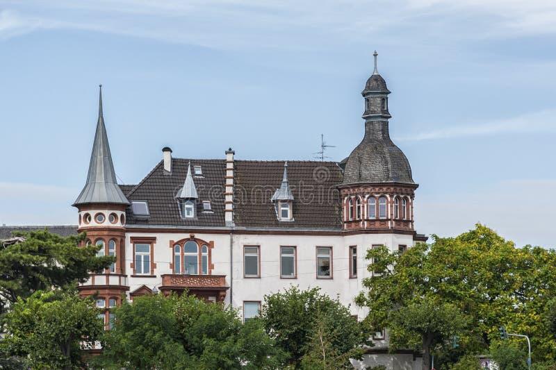 COLONIA, ALEMANIA - 11 DE SEPTIEMBRE DE 2016: Casas coloridas en estilo bávaro en la ciudad vieja de Colonia, Rin-Westfalia del n foto de archivo libre de regalías