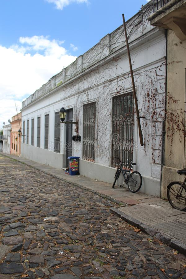 Colonia, alte Stra?e Uruguays lizenzfreies stockbild