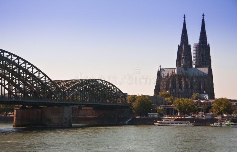 Colonia, Dom y opinión del puente imagen de archivo libre de regalías