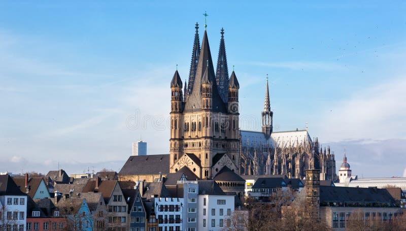 Colonia, vista delle grande St Martin della chiesa immagini stock libere da diritti