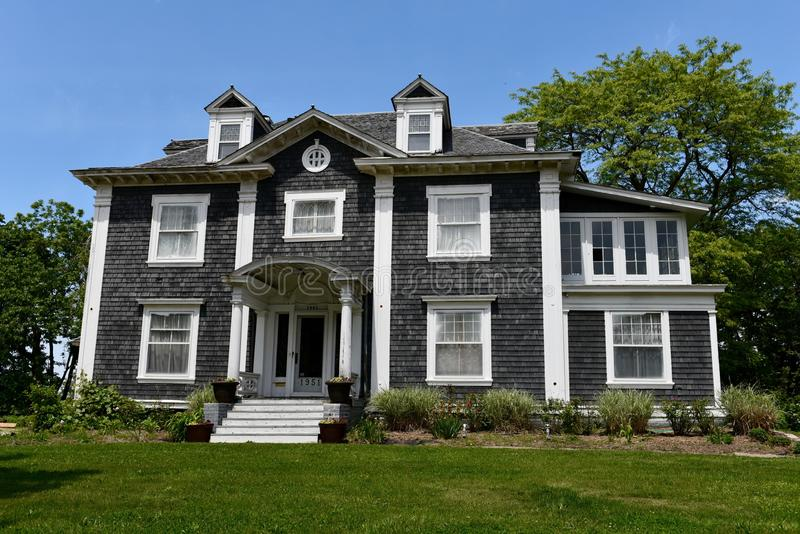 Colonial Revival in Des Moines. This is a Spring picture of the Edwin A, Nye hHouse located in Des Moines, Iowa. This house built in 1905 is an example of stock images