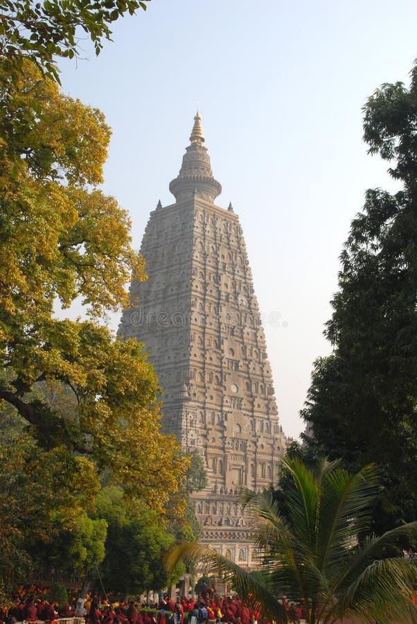 Colonna di Asokan e di Ananda Stupa a Kutagarasala Vihara, Vaishali, immagini stock libere da diritti