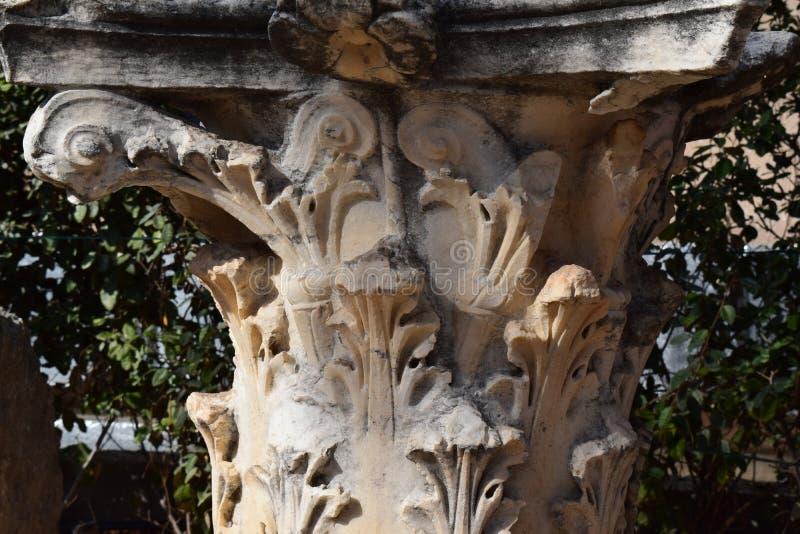 Colonna di ordine di Corinthian a Corinto antico fotografia stock libera da diritti