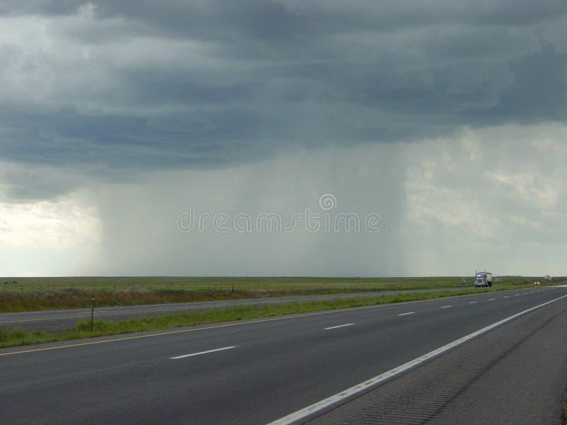 Colonna scura di pioggia immagini stock