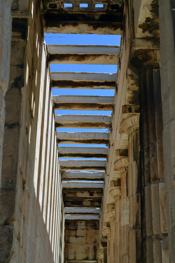 Colonnade in Griekenland royalty-vrije stock afbeeldingen