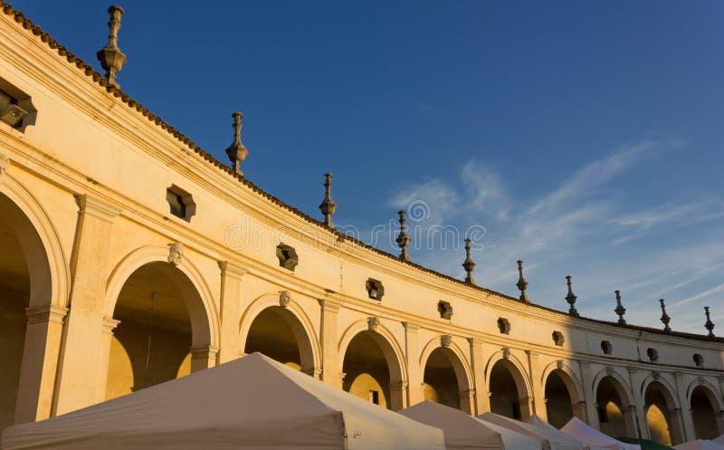 Colonnade van Villa Manin stock afbeelding