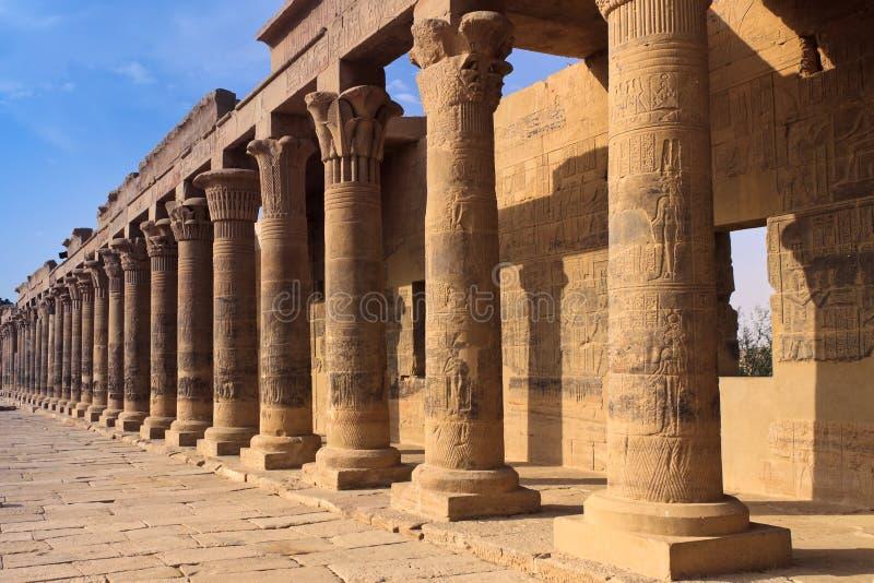 colonnadephilaetempel royaltyfria bilder