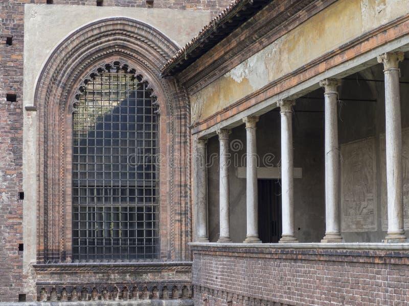 Colonnato di Castello Sforzesco a Milano fotografia stock