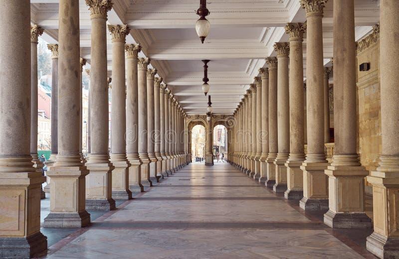 Colonnato a Karlovy Vary immagini stock libere da diritti