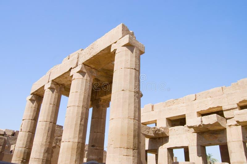 Colonne al tempiale di Karnak, Luxor, Egitto immagine stock libera da diritti