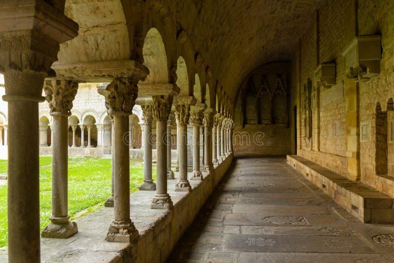 Colonne alla vecchia parte di Girona fotografia stock libera da diritti