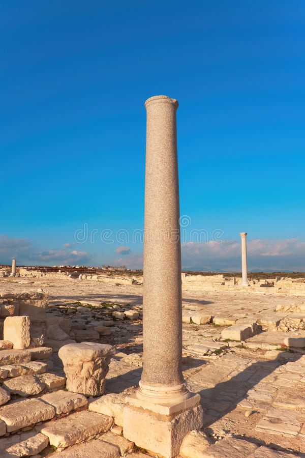 Colonne antique au site archéologique de Kourion image stock