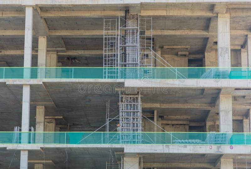 Colonne concrete del cantiere della costruzione fotografia stock