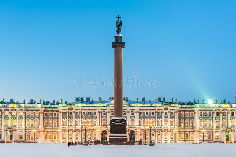 Colonne d'Alexandre et l'ermitage photo libre de droits