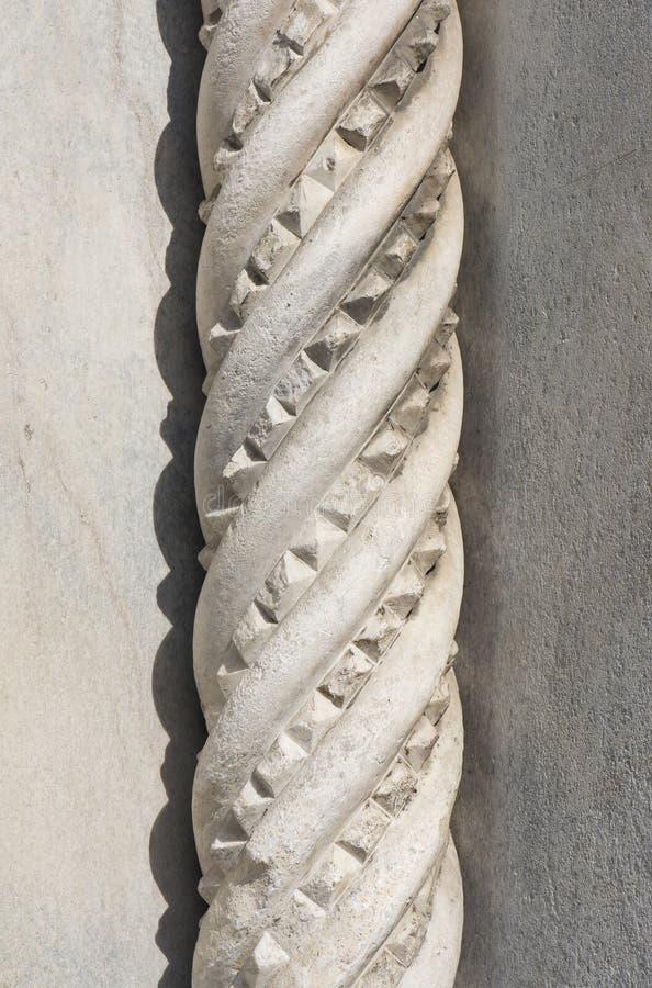 Colonne de marbre de torsion de corde photos libres de droits