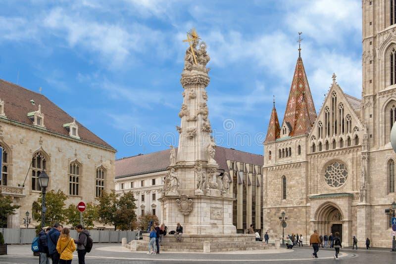 Colonne de trinité sainte au milieu de place de trinité, Budapest photographie stock libre de droits