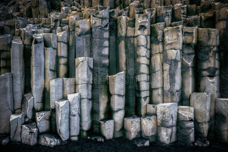Colonne del basalto vicino a Vik, Islanda immagine stock libera da diritti