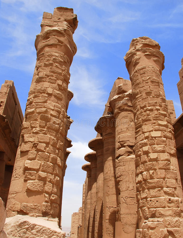 Colonne del tempiale di Karnak, Egitto, Luxor fotografie stock libere da diritti