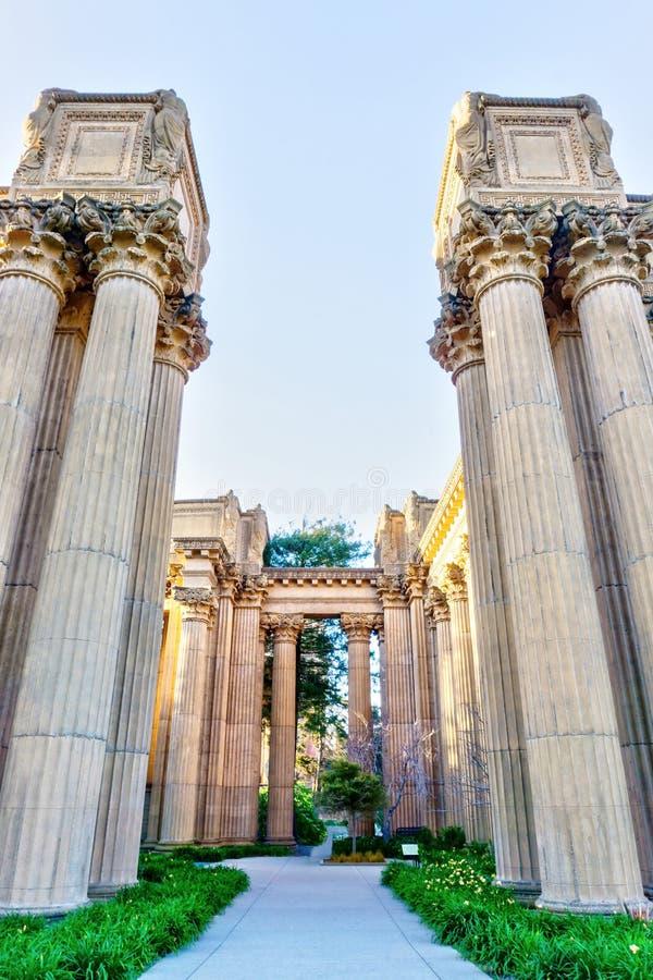 Colonne di architettura del palazzo delle belle arti a San Francisco fotografia stock libera da diritti